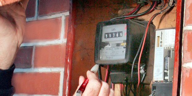 Smart meters have some advantages. They can give a detailed picture of daily electricity use, such as the cost of a 15-minute shower. Photo / NZME.