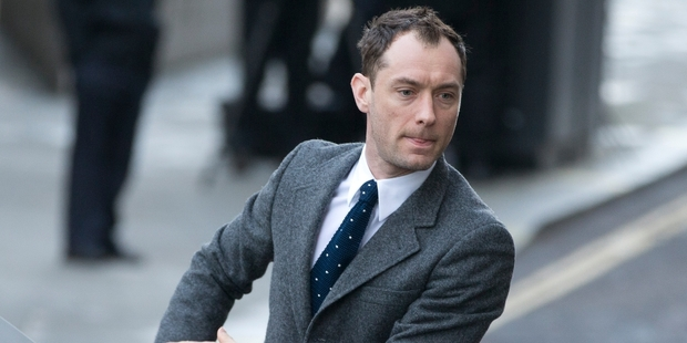 Jude Law arriving at the Old Bailey  where a jury heard how he confronted Daniel Craig on having an affair with ex-girlfriend Sienna Miller. Photo / AP