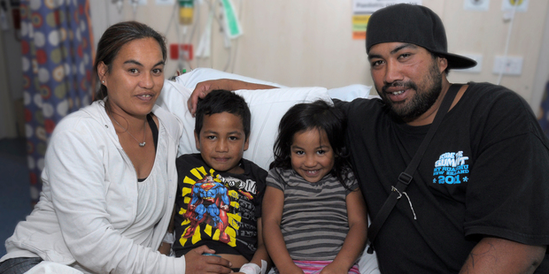 Frankie Royal-Hikatangata, 6, with his sister Swaye Royal-Hikatangata, 4, and his mum  Vieanna Royal and dad Daniel Hika. Frankie is recovering in hospital after swallowing a pin tack. Photo/Supplied