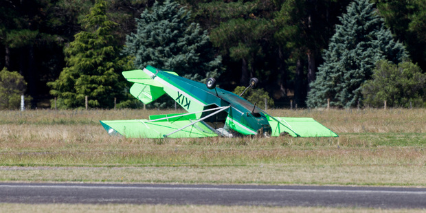 The microlight ended the flight on its back. Fortunately the pilot was unhurt. Photo/Glenn Taylor
