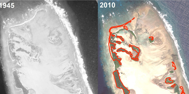 The images show the remarkable changes that have occurred in the Nadikdik Atoll, in the southern Marshall Islands, between 1945 and 2010.