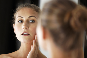 Women spend nearly an hour a day picking apart the way they look. Photo / Thinkstock