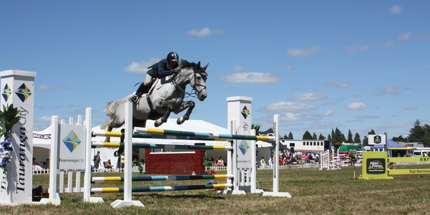 Phillip Steiner completes a clear round in the Peppers On the Point Horse 1.35m show jumping, riding On The Point Arlington. Photo / Rebecca Savory