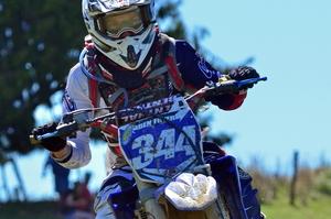 Ben Fryer (Yamaha) comfortably won the 90-minute junior race.