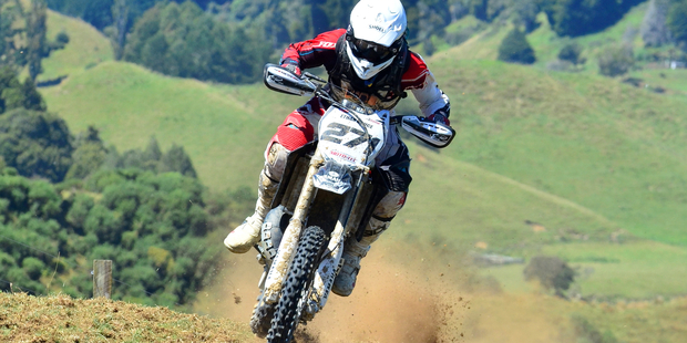 Ethan Bruce (Yamaha), from Maruia, on his way to winning round one of the New Zealand Cross-country Championships after a mid-race battle with Raglan's Jason Dickey. Pictures / Andy McGechan