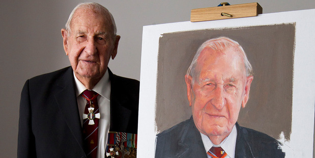 Les Munro pictured with a sketch done by Britain's Royal portrait painter, Richard Stone. Photo /  Alan Gibson