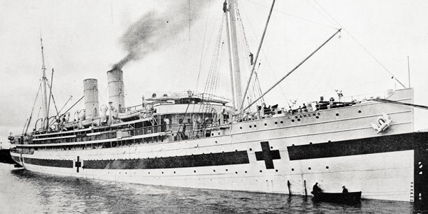 The  Maheno leaves Wellington for the Dardanelles where it was used  as the hospital ship for wounded Anzacs.