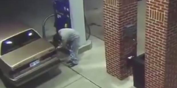 http://www.jokpeme.com/2015/09/stupid-man-sets-detroit-gas-station-on.html