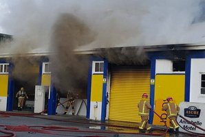 The fire's broken out in the Signlink Graphics building on Weld Street. Photo / Chris Lynch