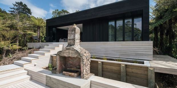 House designed by Evelyn McNamara at Cable Bay, Waiheke. Photo / Supplied