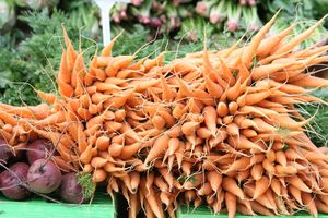A new vegetable market is opening in Featherston on Saturday.