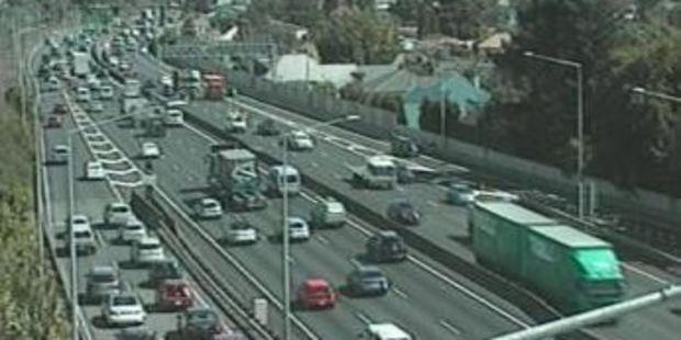 Traffic is backed up at Greenlane on Auckland's Southern Motorway. Photo / NZTA