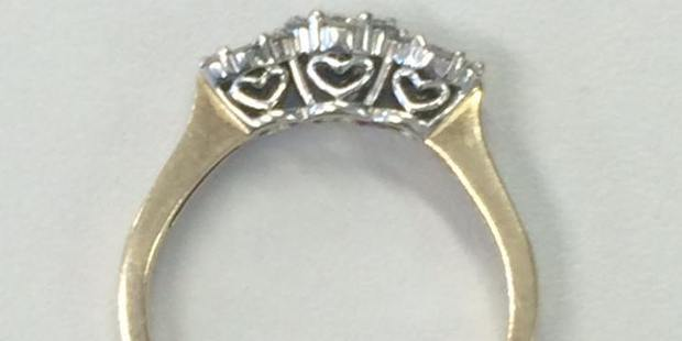 Police seek the owner of the ring found at Stanmore Bay. Photo / Waitemata Police Facebook