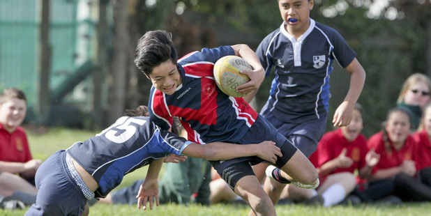 UK doctors and academics argue two thirds of injuries in youth rugby and most concussions are down to tackles.