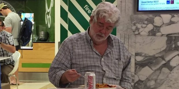 This photo of George Lucas eating noodles in an Adeleide food court has gone viral. Photo/Twitter