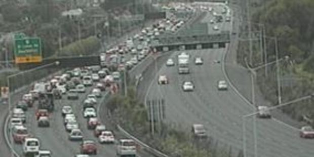 Traffic is starting to build as people head away for the long weekend. Photo / NZTA