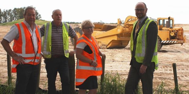 L-R John Middleton and Rick Hannay from PEERS Group; Tauranga City Councillors  Leanne Brown and Steve Morris. Photo/supplied