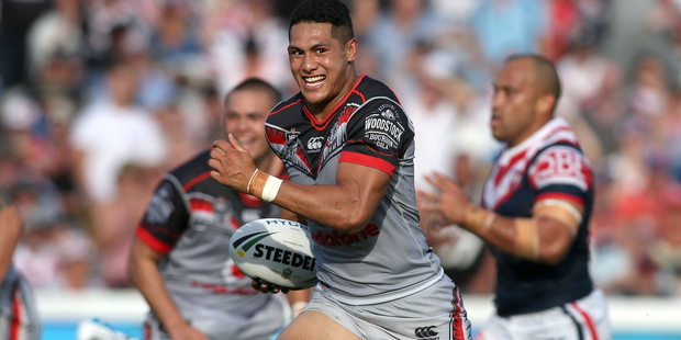 Roger Tuivasa Sheck of the Warriors on his way to scoring the match-winning try during golden point extra time during against his former side the Sydney Roosters. Photo/Getty.
