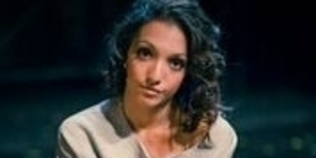 Julia Macchio plays Alex.