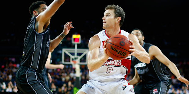 Kirk Penney in action for the Illawarra Hawks against the New Zealand Breakers. Photo/Getty.