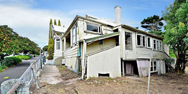 The deserted property at 12 Anglesea St was the subject of a bidding war. Photo / Supplied