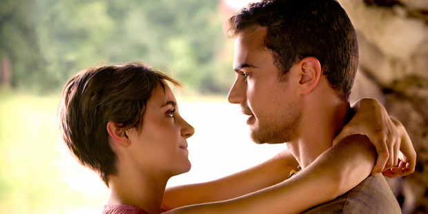 Tris (Shailene Woodley) and Four (Theo James) in a scene from Insurgent.