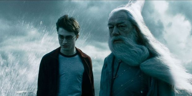 Loading A scene from Harry Potter and the Half-Blood Prince starring Daniel Radcliffe and Michael Gambon.