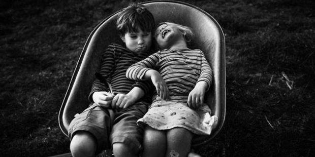 Niki Boon is known for her ongoing photo series 'Childhood in Raw' where she shares photos of her four children and their technology-free life. Photo: Niki Boon
