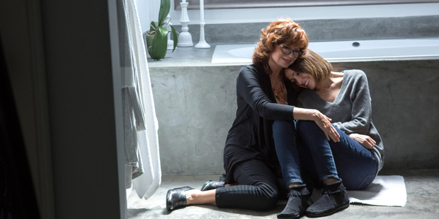 Susan Sarandon (L) and Rose Byrne (R) in a scene from the film 'The Meddler'. Photo / AP