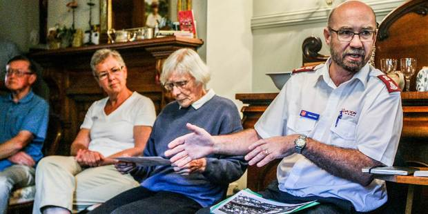 Alister Irwin, Major Napier Corps officer for The Salvation Army, speaks at last night's neighbourhood meeting in Napier to discuss the possibility of prisoners living in the area. Photo / Paul Taylor