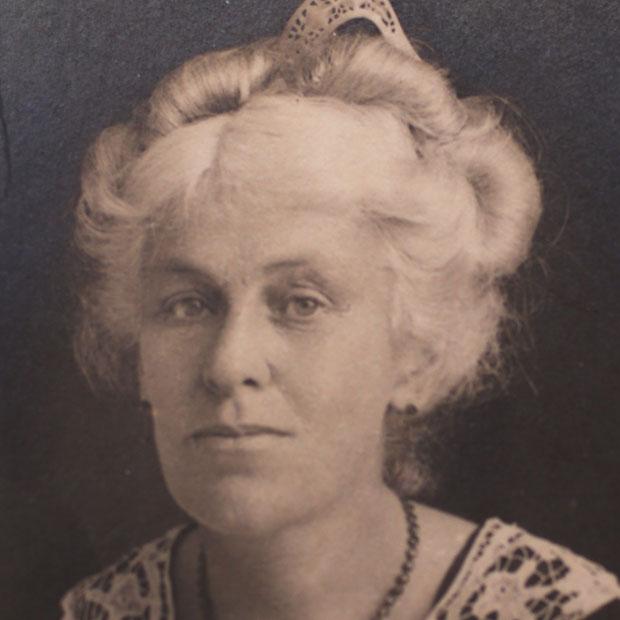 Elizabeth Rennie Hay.