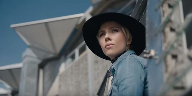 Loading Scarlett Johansson filmed the Huawei advertisement in New Zealand, with Te Papa visible in the background.