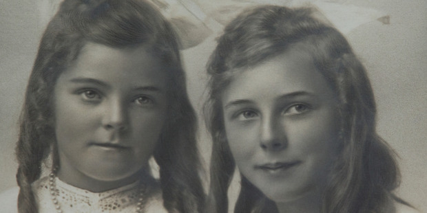 Upper Hutt woman Madeline Anderson, right, who turns 109 tomorrow, in a family portrait. Photo / Supplied