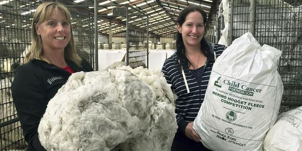 Sharyn Miller and Brenna Sharland, from the New Zealand Merino Company. Photo / New Zealand Merino Company.