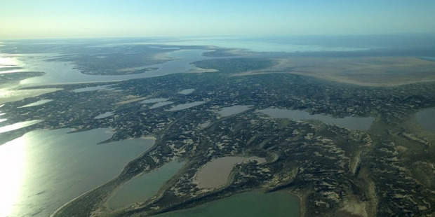 Water starts to fill the Lake Eyre basin in central Australia Photo by Trevor Wright MANDATORY CREDIT : Trevor Wright