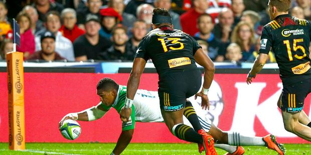 Waisake Naholo of the Highlanders scores a try against fellow New Zealand side, the Chiefs. Photo / Getty