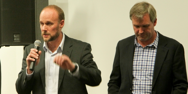 Iain Maxwell (left), from Hawke's Bay Regional Council, and Michael Whittaker from Te Mata Mushrooms, at last night's meeting. Photo / Warren Buckland