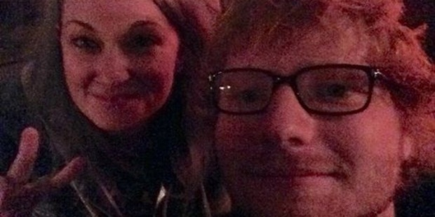 Australian Nisse Perry scores a random selfie with pop star Ed Sheeran in a Queenstown bar. Photo/Supplied