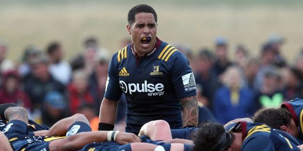 Aaron Smith, the self-appointed one-man pep-squad of the team, coaxes the troops. Photo / Getty Images