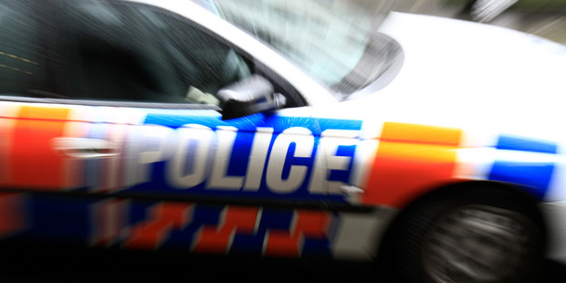 Fleeing gang members hurled onions and a glass chopping board at police during a high-speed pursuit. File photo
