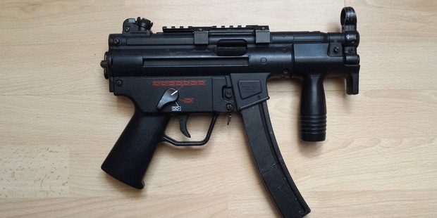 MP5K sub machine gun.
