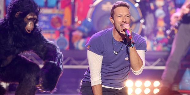 Chris Martin of Coldplay performs at the American Music Awards. Photo / AP