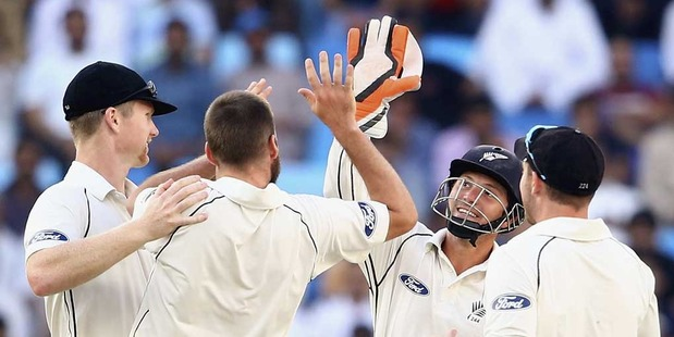 New Zealand Cricket are keen to play a day/night test against England at Eden Park in the summer of 2017/18. Photo / Getty Images.