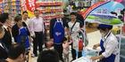 Taupo mayor David Trewavas promoting Theland Milk in China.  Photo/Supplied