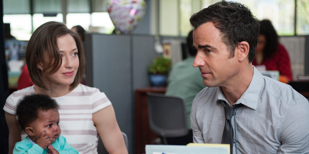 Carrie Coon and Justin Theroux in The Leftovers.