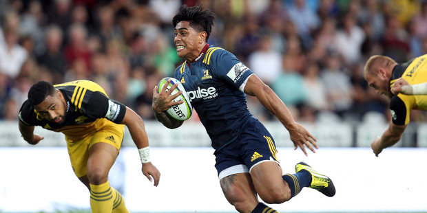 Malakai Fekitoa of the Highlanders on the attack. Photo / Getty Images