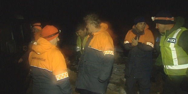 Search and rescue teams alongside police. Photo / Supplied