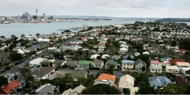 The problem is that most people want to live in Auckland where the average house price is expected to reach a million dollars within the next year, writes Barry Soper.