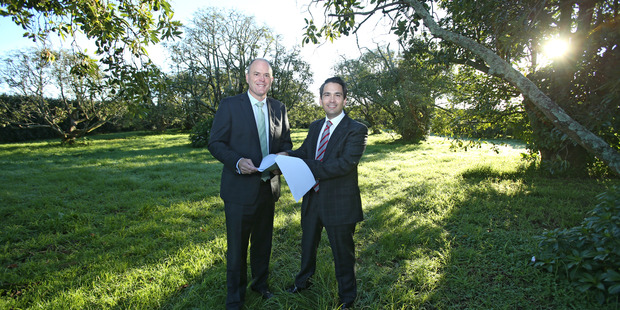 Bay of Plenty MP Todd Muller and Tauranga MP Simon Bridges at the Pyes Pa site where a new school will be built. Photo/John Borren