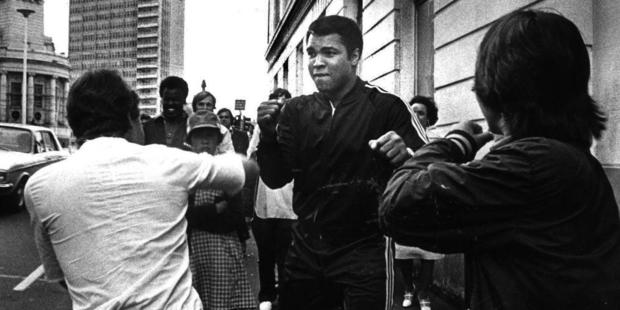 Loading Muhammad Ali squares up to Kiwis on the streets of Auckland in 1979.